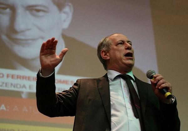 Ciro-diz-que-foi-trado-por-Lula-No-farei-mais-campanha-para-o-PT