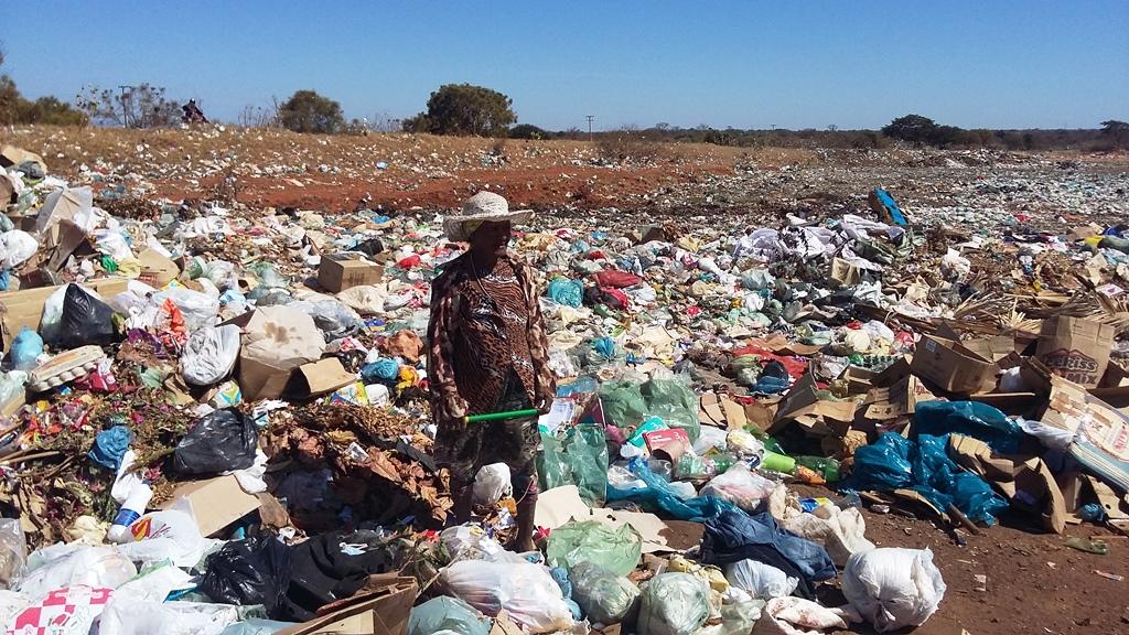 Lixo-de-Lapo-risco-sade-vergonha-para-toda-cidade