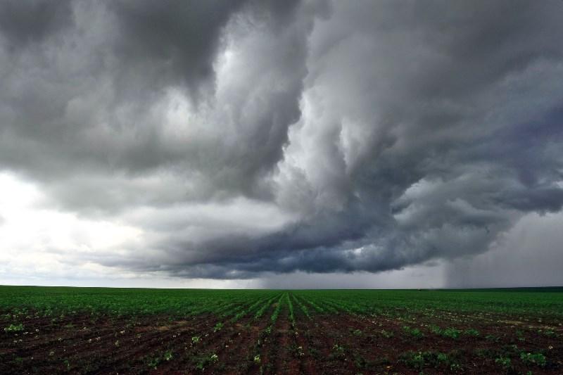 Massa-de-ar-quente-e-seco-perde-fora-permitindo-a-volta-das-chuvas-no-Estado