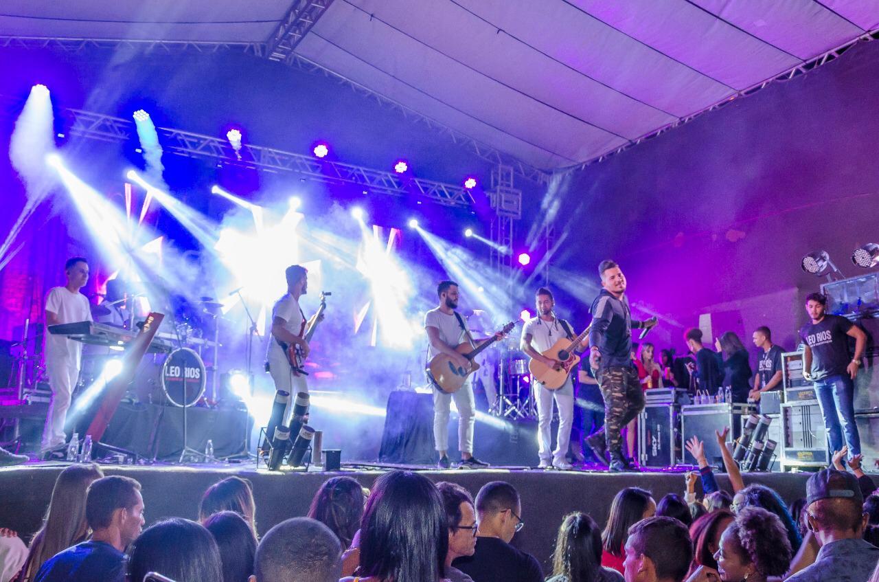 Sucesso-de-pblico-festa-de-Santana-movimenta-Hidrolndia