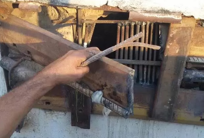 Presos-serram-grade-e-fogem-de-Delegacia-no-oeste-da-Bahia