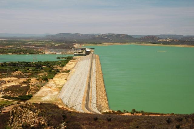 Maior-reservatrio-do-Nordeste-Sobradinho-tem-seca-histrica