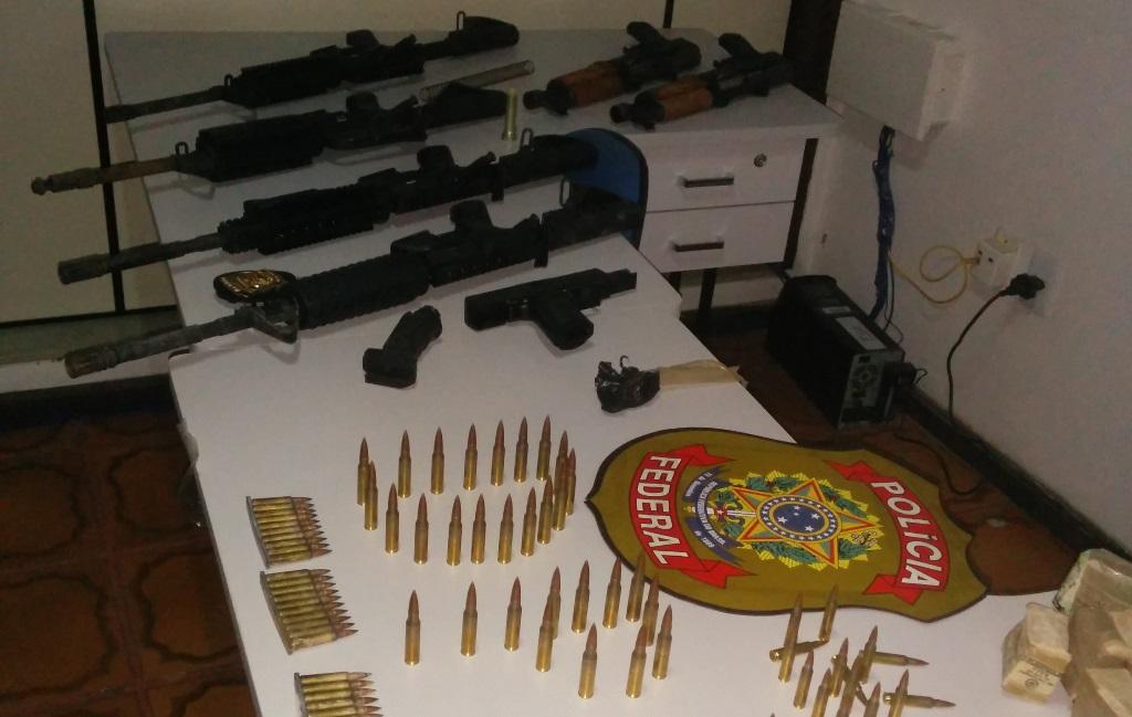 PF-apreende-arsenal-de-armas-em-Santo-Estevo