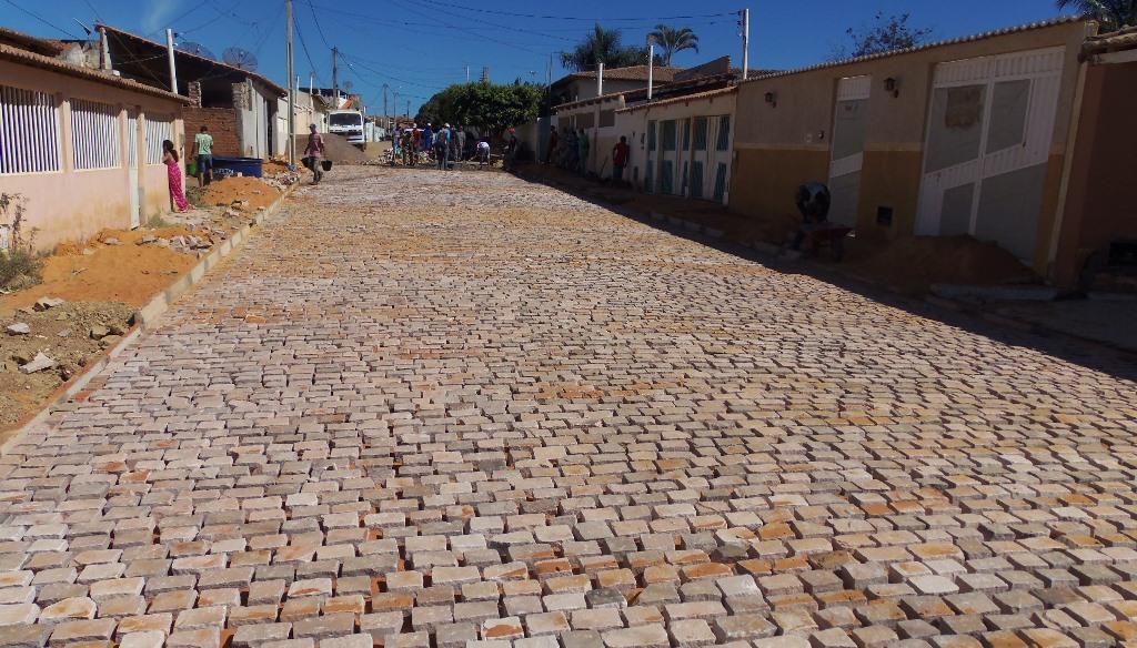 Ibitit-Obras-da-Prefeitura-beneficiam-moradores-e-comerciantes