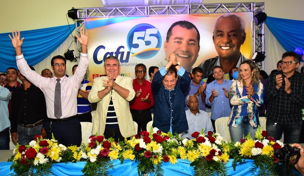 Com-presena-de-Gilva-Martins-PSD-confirma-Cafu-Barreto-em-Ibitit