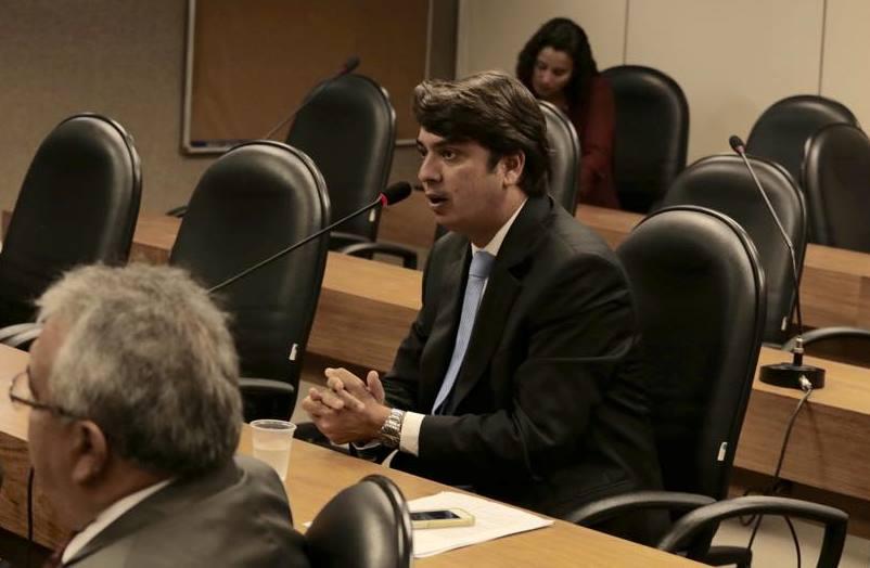 Ourolndia-Pedro-Tavares-anuncia-investimentos-nas-reas-de-sade-e-educao