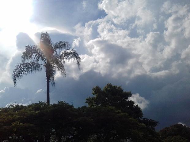 Em-Irec-cu-nublado-e-excelente-umidade-do-ar