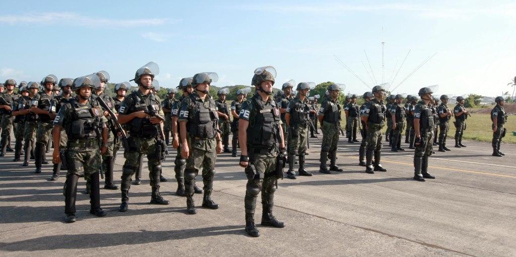 Tropas-federais-desembarcam-em-Salvador