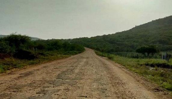 Moradores-reclamam-da-situao-de-estrada-que-liga-Marcionlio-Souza-Itaet-e-Andara