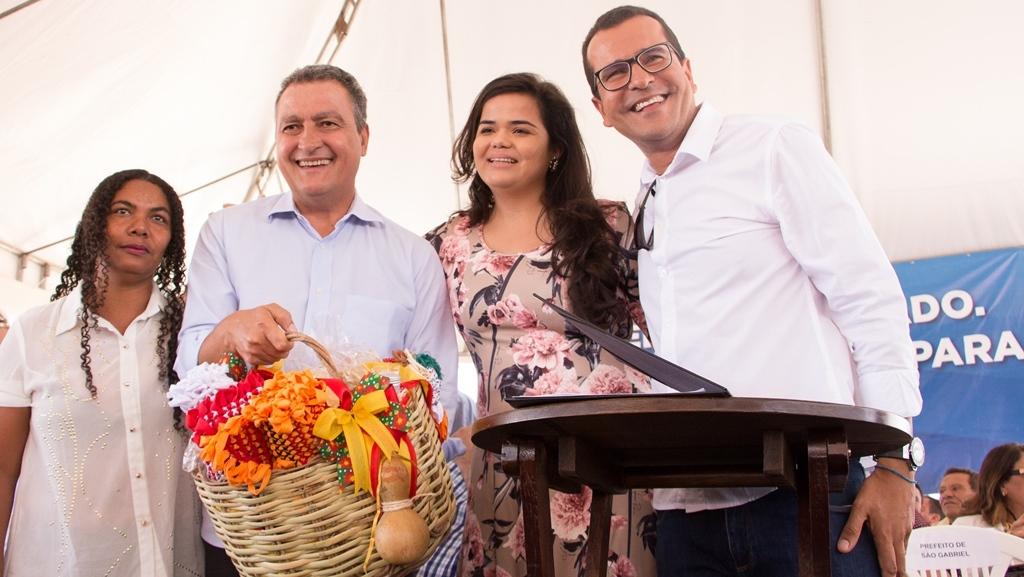 Rui-Costa-inaugura-escola-assina-convnios-e-anuncia-obras-em-So-Gabriel