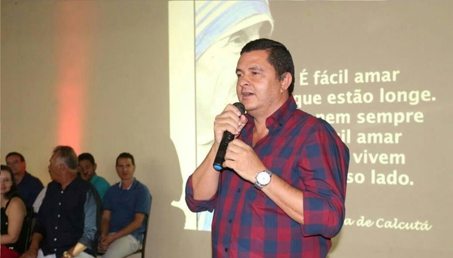 Ricardo-Rodrigues-entra-em-rota-de-coliso-com-professores-da-rede-municipal-de-Lapo
