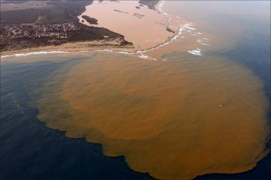 Lama-que-vazou-de-barragem-deve-ter-chegado-ao-sul-da-Bahia-diz-Ibama