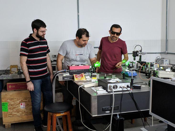 Novo-laser-produzido-na-Bahia-inova-no-ramo-da-nanotecnologia
