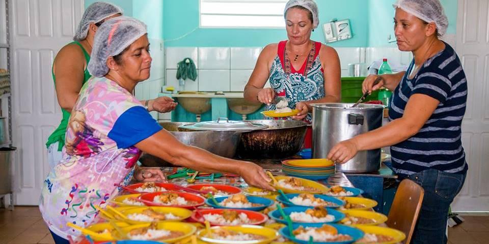 Ibitit-Vereador-quer-retirar-ma-uva-abacaxi-e-laranja-da-merenda-escolar