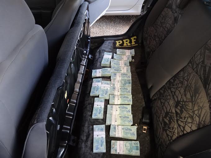 Motorista-de-candidato-ao-governo-detido-com-R-180-mil
