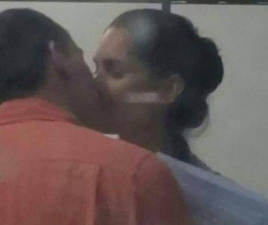 So-Sebastio-Secretrio-flagrado-aos-beijos-com-assistente