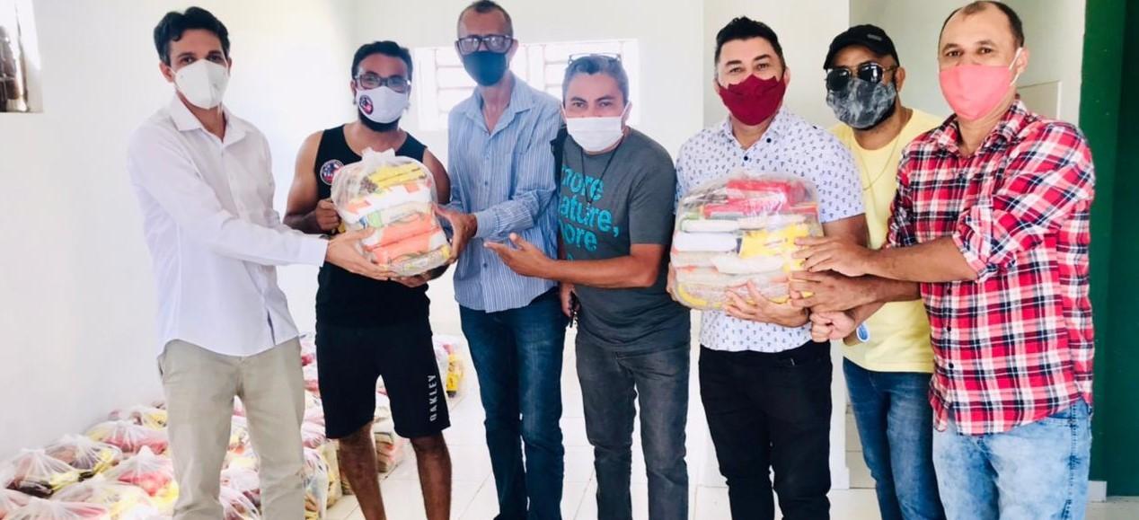 Prefeitura-garante-entrega-de-90-cestas-bsicas-aos-artistas-e-vai-criar-projeto-para-Auxlio-Emergencial