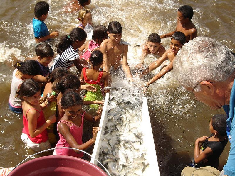 Codevasf-promove-peixamento-em-Riacho-de-Santana-e-Xique-Xique