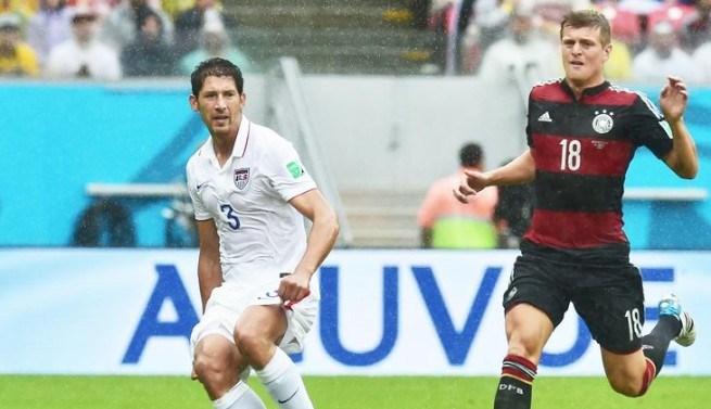 Mller-marca-Alemanha-vence-EUA-e-passa-em-primeiro-no-grupo-G