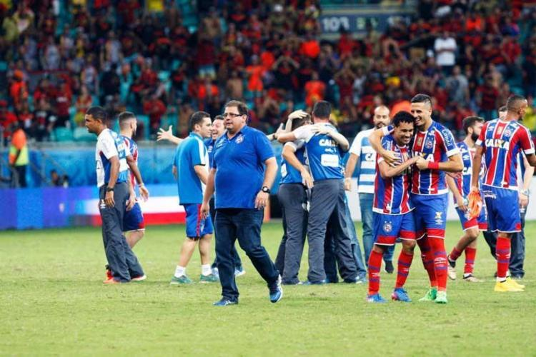Guto-Ferreira-celebra-ttulo-do-Bahia-na-Copa-Nordeste-Indescritvel