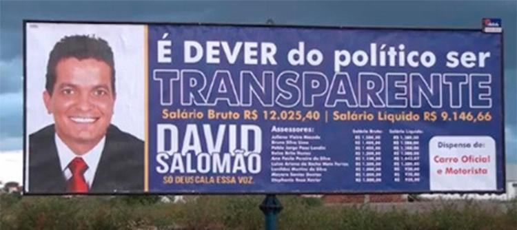Vereador-divulga-seu-salrio-e-de-assessores-em-outdoors-na-Bahia