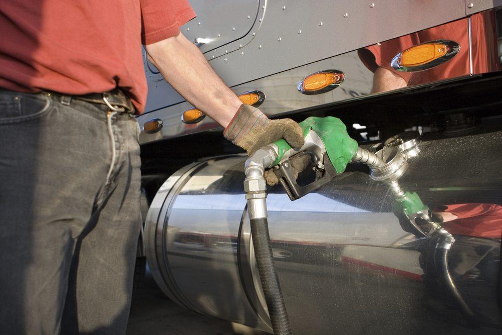 Litro-do-diesel-est-mais-caro-nas-refinarias