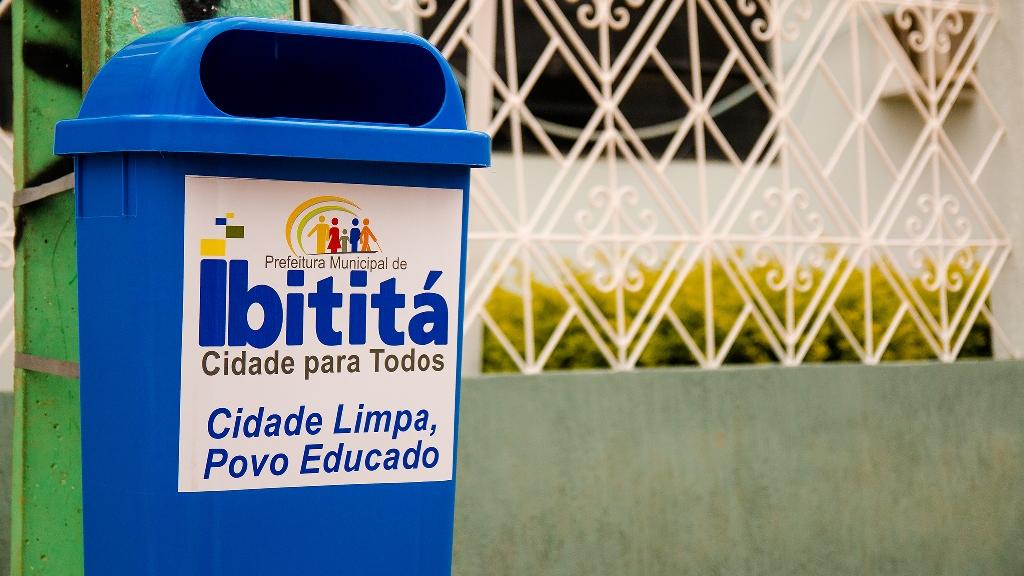Infraestrutura-instala-coletores-de-lixo-na-sede-e-zona-rural-de-Ibitit