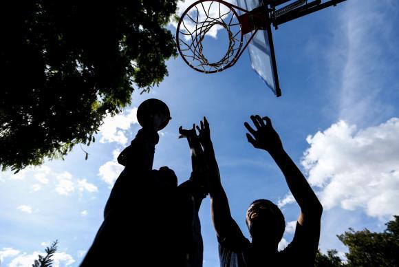 Sete-em-cada-dez-brasileiros-no-praticam-atividade-fsica