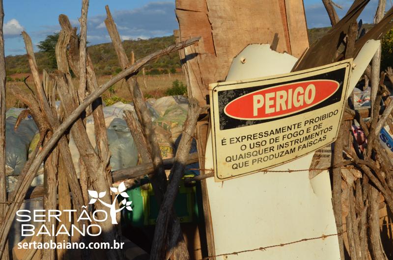 Lapo-populao-sofre-com-lixo-a-cu-aberto-e-problemas-de-saneamento-bsico