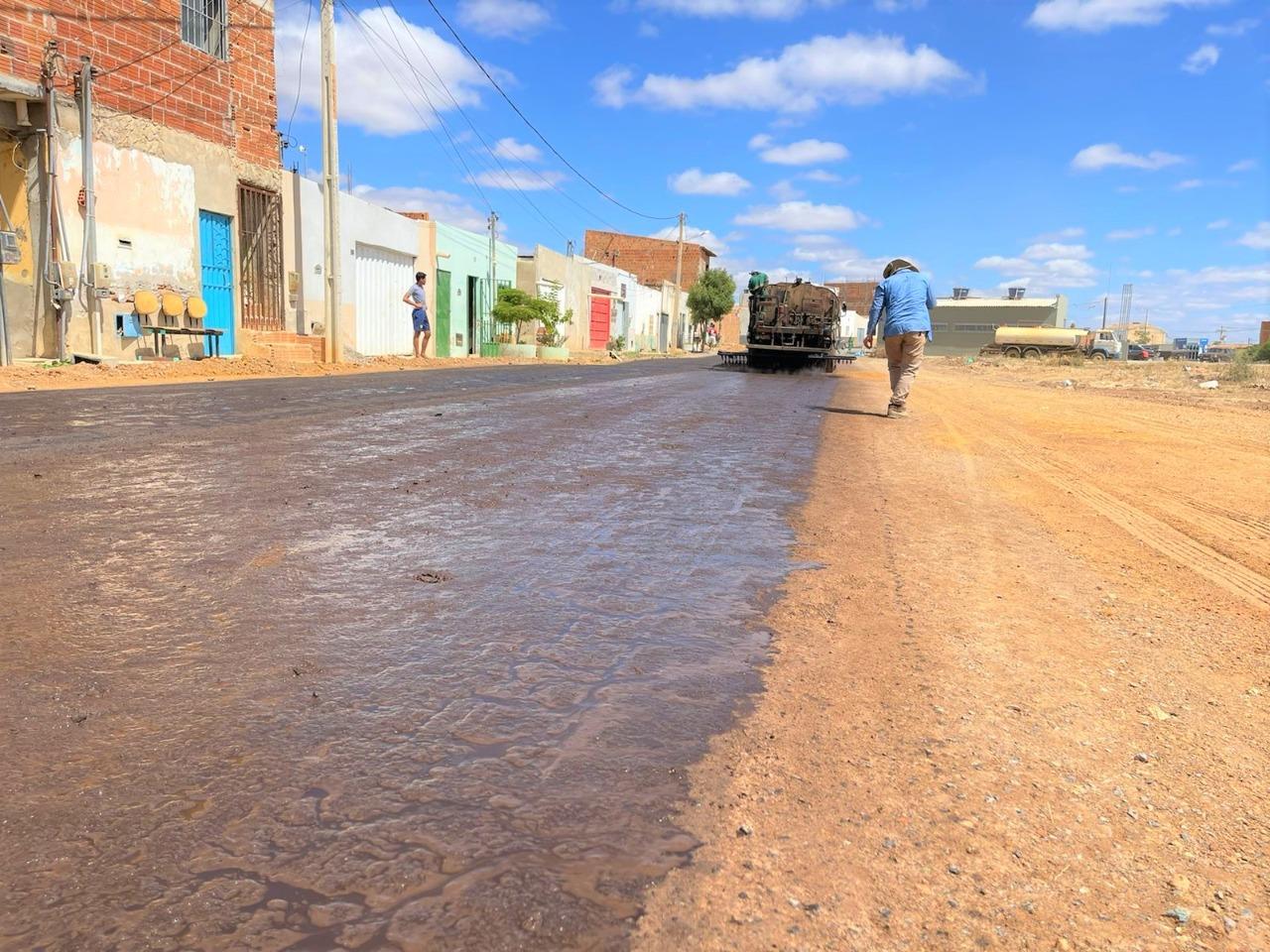 Prefeitura-inicia-novo-pacote-de-obras-de-pavimentao-na-cidade