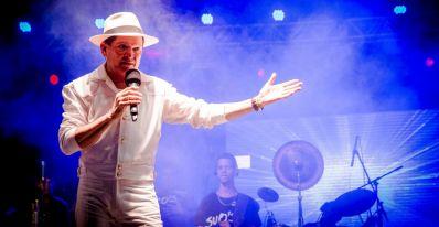 Irecê: Alcymar Monteiro celebra música nordestina em São Pedro da Boa Vista