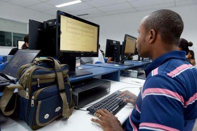 Sesi oferece 3.363 vagas para educação de jovens e adultos a distância