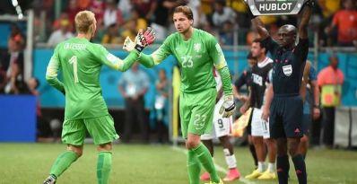 Van Gaal e Krul brilham e Holanda derrota Costa Rica nos pênaltis