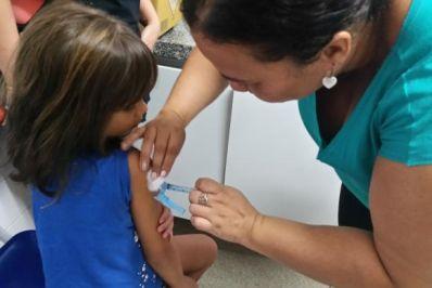 Começa nesta segunda campanha para atualizar caderneta de vacinação