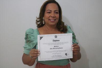 Primeira mulher eleita em Ibititá, Nilvinha é diplomada pela Justiça Eleitoral