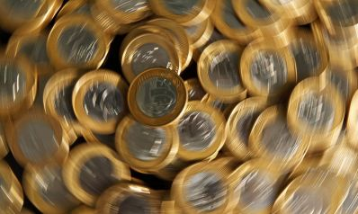 Salário mínimo passa a valer R$ 1,1 mil