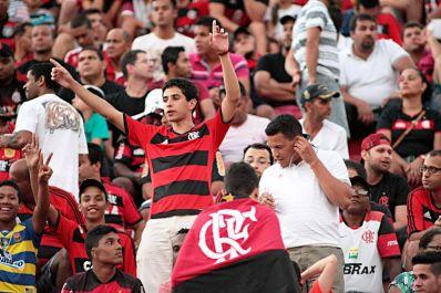 Flamengo derrota o Vitória e alcança a quinta vitória seguida no Brasileirão