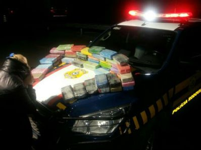 Mulher é presa transportando 53 kg de cocaína na BR-116