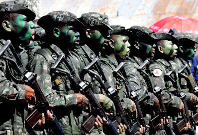 Forças Armadas iniciam ação com 30 mil militares para patrulhar fronteiras