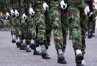 Tropas das Forças Armadas desembarcam em Salvador