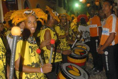 Aos 35 anos, Olodum mantém raízes e luta pela afirmação da cultura negra