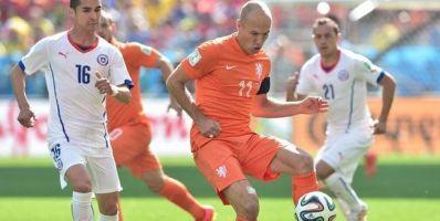 Holanda vence, mantém 100% e Chile deve pegar o Brasil nas oitavas.