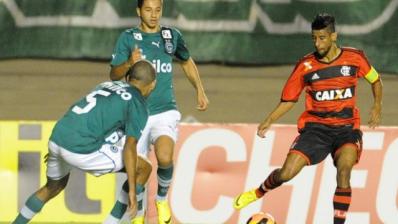 Flamengo empata com Goiás na estreia do Brasileirão 2014