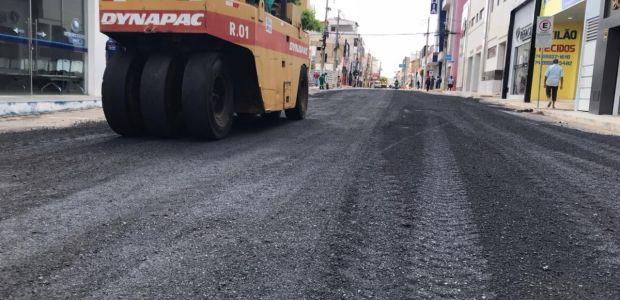 #AgoraSim Prefeitura inicia pavimentação da Av. Caraíbas