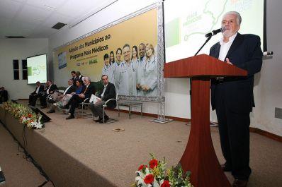 Governador comemora marca do Mais Médicos na Bahia