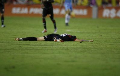 Já era, pai: após empate da Chape, Vitória está rebaixado à Série B