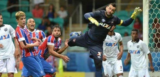 Bahia perde para o Atlético-PR e fica muito próximo da Série B