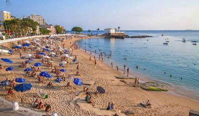 Bahia deverá receber seis milhões de turistas neste verão