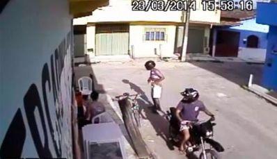 Câmera flagra 10º assalto a mercado em Teixeira de Freitas