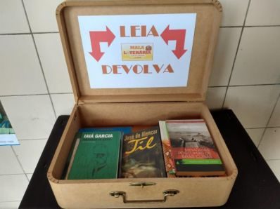Mala de livros em Jaguaquara incentiva o gosto pela leitura
